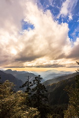 Into the Fairy Tale Kingdom. (Evo-PlayLoud) Tags: clouds canon taiwan t116   tokina1116mmf28 canon550d canoneos550d