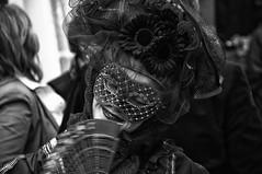 #01 maskiert (RadarO´Reilly) Tags: street carnival bw blackwhite mask sw venetian feces karneval maske gesichter venezianisch schwarzweis strase