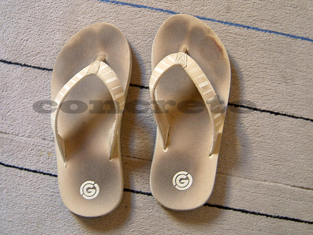 f3bfb18db5eea Flip Flops (CrsConcreteCpl) Tags  footprints flipflops sonia wornout  wellworn toeprints