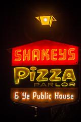 Shakey's (Thomas Hawk) Tags: america california losangeles shakeys shakeyspizza shakeyspizzaparlor usa unitedstates unitedstatesofamerica neon pizza restaurant