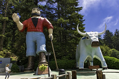 Paul and Babe (punahou77) Tags: paulbunyan ox california babe redwoods touristattraction treesofmystery punahou77 stevejordan nikond7100