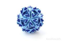Kusudama (ronatka) Tags: kusudama modularorigami nataliaromanenko square blue whitebackground unnamed needsaname ariadneseries