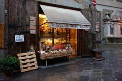 Arezzo (mappett) Tags: arezzo leica m9 summilux 35mmf14 asph antico bottega toscana