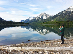 Father and Son (Schmu.online) Tags: watertonlakesnationalpark waterton water wasser peacepark lakes lake see mountains berge rockymountains nationalpark nature natur canada kanada blue blau wilderness wolken clouds alberta landscape landschaft parentalleave hiking princeofwaleshotel historicsite sky himmel family father son wood holz beach berg reflections spiegelung