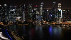 Singapore by Night (gfrison) Tags: singapore skypark night buildings skycraper grattacieli grattacielo bayarea baia