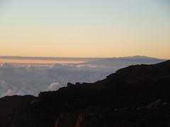 Mauna Kea from Haleakala (jimmywayne) Tags: sunrise hawaii maui mauicounty haleakala nationalpark crater volcano maunakea highest highpoint
