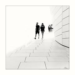 Fondation Louis Vuitton (Elisa.z) Tags: 18200 2016 architecture canon70d couple highkey nb paris streetphotography