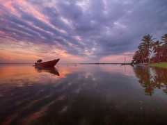 IMG_6990 ~ ....and justice for all (alongbc) Tags: jubakarpantai tumpat kelantan visitkelantan malaysia travel places trip coastal fishingvillage fishingboats perahu nelayan sunrise morning clouds sky canon eos700d canoneos700d canonlens efs10mm18mm wideangle