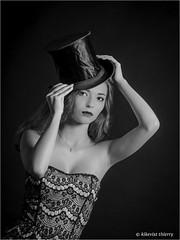 Coline (kikevist photographe) Tags: coline studio portrait femme women girl fille olympus omd em1 zuiko colinebeuque modele woman model kikevist noiretblanc blackandwhite bw