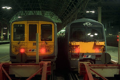 319021 & 465006, London Bridge, January 16th 1993 (Southsea_Matt) Tags: station train londonbridge railway emu networksoutheast class319 class456 456006 319021