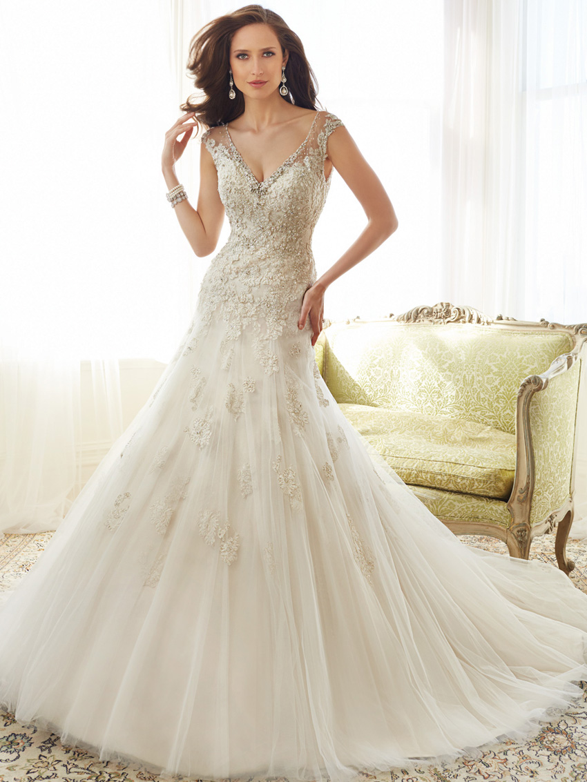 Y11555_Designer-Wedding-Dresses-2015.jpg