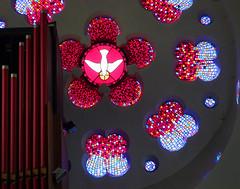 Dove Descending by Danielle Hopkinson, 2001 (Simon_K) Tags: stpancras catholic rc ipswich suffolk eastanglia church churches roman