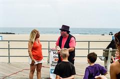 magic show (mfauscette) Tags: 35mm fsc ishootfilm istillshootfilm kodak kodakportra800 nikon nikonf6 analog asburypark beach boardwalk film filmisnotdead filmshooterscollective jerseyshore ocean sand street