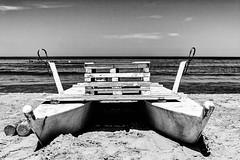 Untitled (Luca Maresca) Tags: riva mare sanmenaio biancoenero blackandwhite bw spiaggia barca