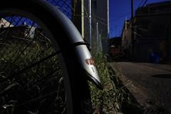 20160828_DP0Q5435 (NAMARA EXPRESS) Tags: street bicycle vehicle steel silver shadow dark shine blue evening summer fine outdoor color foveonclassicblue toyonaka osaka japan foveon sigma dp0 quattro wide ultrawide superwide namaraexp