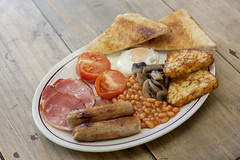 Full English Breakfast (ZoeMageePhotography) Tags: breakfast food foodphotography hotfood morning fryup fry eat delicious meat bacon egg sausage toast beans tomato mushrooms fried fresh homemade hashbrowns fullenglish