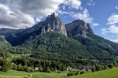 Alto Adige (Italy) - Massiccio dello Sciliar (Massimo Battesini) Tags: nationalgeographic worldtrekker fujifilmxt1 fuji xt1 fujixt1 fujifilm finepix fujinon fujinonxf18135 fuji18135 fujifilmfujinonxf18135mmf3556rlmoiswr italia italie italien trentinoaltoadige europa europe montagna mountain montagne montaa dolomiti dolomite dolomites massicciodellosciliar castelrotto it