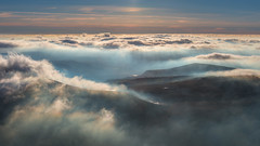 'Sunlit Inversion' - Moel Eilio, Snowdonia (Kristofer Williams) Tags: moeleilio snowdonia landscape cloudinversion temperatureinversion cloud cloudscape valley mountains wales sunlight mist light