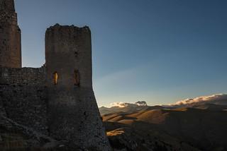 tramonto dietro Rocca Calascio