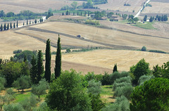 Rolling Tuscany landscape from the hilltop Pienza (Gregor  Samsa) Tags: italy italia tuscany toscana summer august trip exploration journey roadtrip rolling rollinglandscape rollinghills field fields pienza