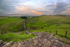 A Great, Great Wall (Non Paratus) Tags: northumberland haltwhistle hadrianswall wall roman ancient hills sky sunsets england uk