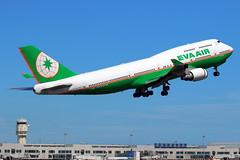EVA Air Boeing 747-400 B-16411 (Manuel Negrerie) Tags: b16411 jumbo boeing747 747400 air eva evergreen widebody taoyuanairport staralliance airlines taiwan aviation 747