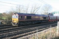 """Jags"" 66055 @ Chorlton Lane (uksean13) Tags: train canon cheshire diesel transport rail railway crewe jaguar freight ews ef28135mmf3556isusm 400d 66055 chorltonlane"
