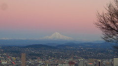 Mount Hood and Portland (gateway10027) Tags: oregon portland evening dusk cascades portlandor portlandoregon mounthood cascademountainrange eveningcolors