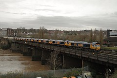 66706 & Co at Newport. 9/12/14 (Nick Wilcock) Tags: wales riverusk newport 667 railways doncaster class66 nenevalley gbrailfreight gbrf 66706 66767 66770 newportdocks 66771 66772 66768 0x66 66769 66766