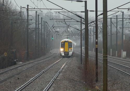 england london rain europe unitedkingdom january trains railways 2015 midlandmainline londonboroughofbarnet electricmultipleunits mainlinerailways lenssigma18250mm camerapentaxk50 goviathameslinkrailway 387109 millhillbroadwayrailwaystation britishrailclass387