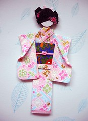 Japanese origami doll 10 (tengds) Tags: pink flowers blue red white asian japanese kimono obi papercraft japanesepaper washi ningyo handmadepaper chiyogami yuzenwashi japanesepaperdoll nailsticker washidoll origamidoll nailartsticker tengds