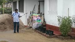 Seifenblasen in Behinderteneinrichtung in Ittapana, Sri Lanka 4