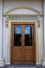 Palace door (VinayakH) Tags: india gardens royal palace hyderabad royalpalace nizam telangana chowmahallapalace