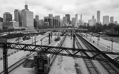 Lines and Skylines (Torsten Reimer) Tags: blackandwhite usa chicago skyline train us illinois downtown cityscape skyscrapers unitedstates unitedstatesofamerica eisenbahn railway zug northamerica wolkenkratzer schwarzweis