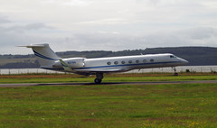 Gulfstream 5 N276A takes off from Dundee, 16th July 2016 (andyflyer) Tags: dundee gulfstream gulfstream5 bizjet dundeeairport businessjet corporatejet n276a