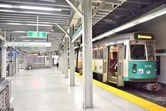 DSC_1451 (billonthehill2001) Tags: boston subway mbta governmentcenter greenline blueline
