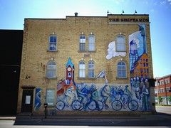 Heading Dockside (France-) Tags: 575 mural murale collingwood ontario canada beverlysmith art headingdockside building difice bicyclette bike fentre mur wall