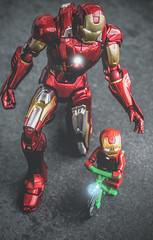 The Iron Man family (David Go ~) Tags: opposites macromondays hmm toy spielzeug figur figure plastik plastic minifig ironman marvel lego tonystark theavengers germany makro macro light davego davidgo tamron90mm canoneos6d