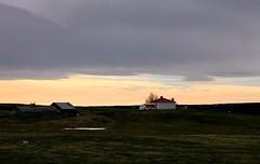 Nuvens negras! (puri_) Tags: islandia cu nuvens negras casas poente avermelhado picmonkey mvatn