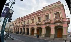 Riobamba, Ecuador. (RViana) Tags: ecuador equador equator southamerica latinamerica andeanstates amricadosul amricalatina americaandina sanpedroderiobamba