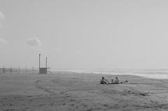 Love on the beach (simona.photo) Tags: beach autumn people sea bw nikon d7000