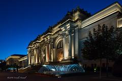 Metropolitan Blues (CVerwaal) Tags: architecture fountains metropolitanmuseum newyork ny usa sonyrx100iii