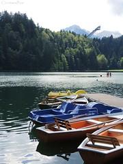 Freibergsee / Allgu (ChristianeBue) Tags: deutschland germany tyskland bayern bavaria allgu freibergsee alpen alps berge mountains skiflugschanze see lake boote boats freibad sommer summer