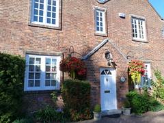 Westerham - Sevenoaks Kent (102) (Royan@Flickr) Tags: house green monument river james town kent general quebec churchill sir winston sevenoaks westerham wolfe darent 20120907