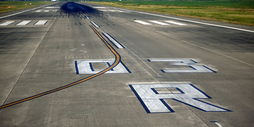 runway by Bernal Saborio G. (berkuspic), on Flickr
