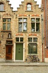 Bruges in English, Dutch: Brugge, French: Bruges, German: Brgge (HTO3) Tags: europe belgium brugge canals bruges flanders flandre