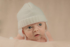 Cute baby (Guic_Photographies) Tags: baby cute sweet coton asleep nuage bonnet blanc bb pur mignon endormi