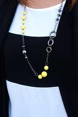 142_neck-yellowkit1feb-box04