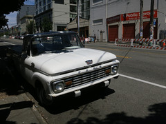 1964 Ford F-Series Pickup (Blinking Charlie) Tags: seattle usa white ford pickuptruck washingtonstate 12thavenue capitolhill 1965 pikepine 2014 fseries canonpowershots100 blinkingcharlie