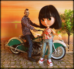Forbidden Toy (Heike Andrea Grote ) Tags: india dylan bike japan zoe doll motorbike harleydavidson kawaii poppy mohawk motorcycle travisbickle taxidriver pullip blythe takara licca monchhichi bluebelle basaak heikeandreagrote soldierstory16